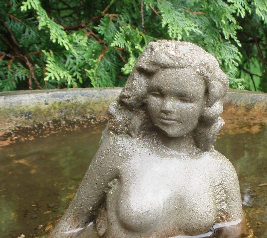 Fountain lady